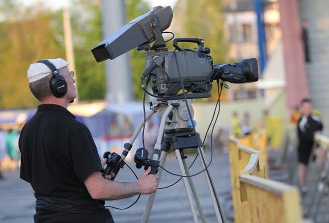 Телеканал «Беларусь-2» вряд ли сможет показать все интересные матчи чемпионата после деления команд на шестерки. Возможно, АБФФ стоит помириться с СТВ?