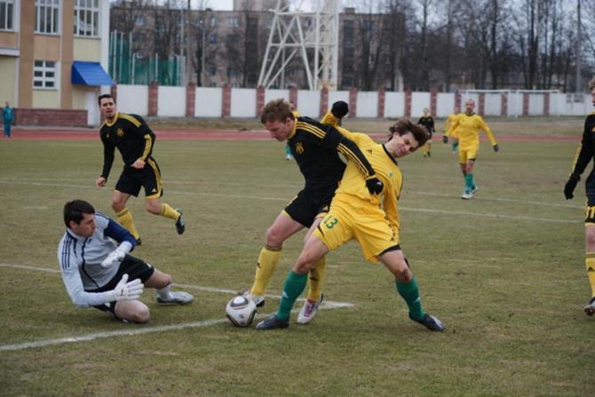 Вадим Демидович (№13) забил свой первый гол в нынешнем чемпионате.