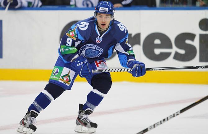 Станислав Лопачук открыл счет голам в КХЛ в чрезвычайно важном матче