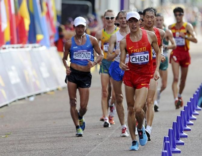 Китайский спортсмен Чэнь Дин уходит в отрыв от остального мира
