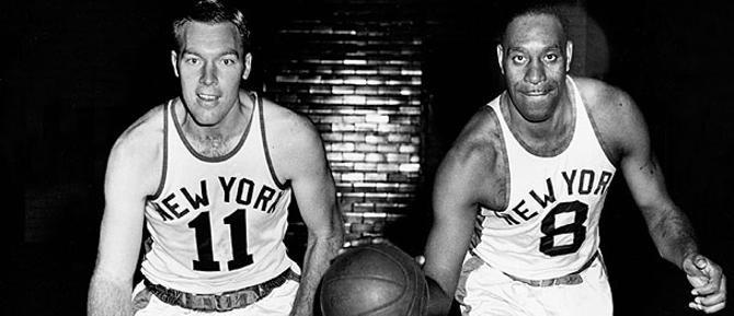 Нэт Клифтон -- первый афроамериканец, подписавший контракт с клубом НБА