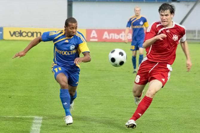 Еще вчера Александр Алумона играл за БАТЭ, а сегодня он выставлен на трансфер.