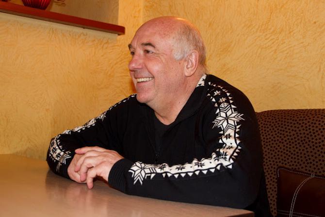 Анатолий Боговик предпочитает просматривать молодые таланта в одиночестве