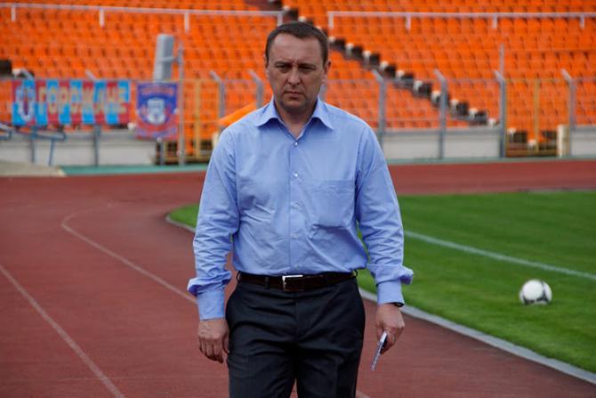 Олег Кубарев, будучи игроком, пробовал свои силы в чемпионате Латвии