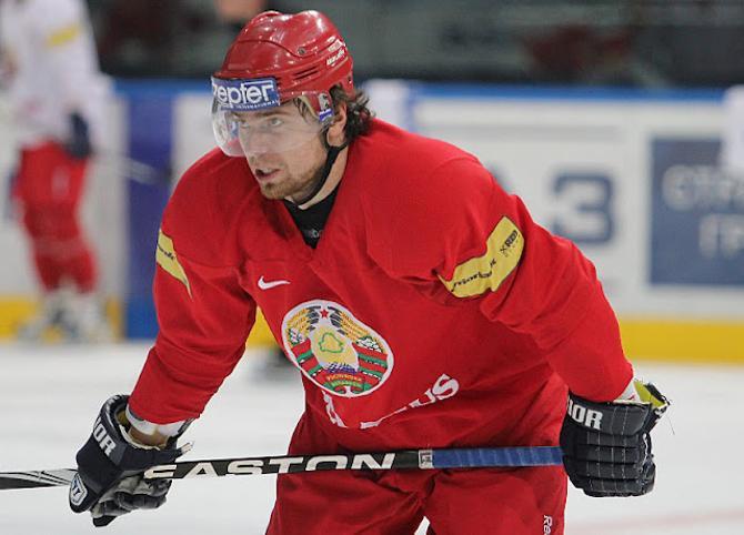 Андрей Степанов очень радовался голевому дублю.