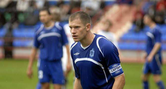 Евгений Капов уникальный футболист - 16 лет от провел в одном клубе.