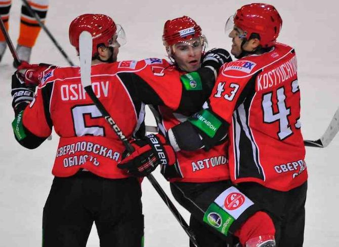 Виктор Костюченок хоть сам и не забил, но его команда победила.