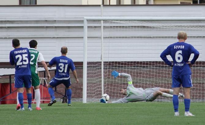 А Виктор Сокол, забивший один из мячей в ворота
