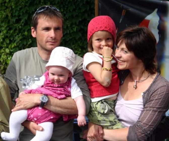 Рафаэль Пуаре -- отец троих детей, один из выдающихся биатлонистов в недавнем прошлом, владелец собственного отеля и тренер сборной Беларуси