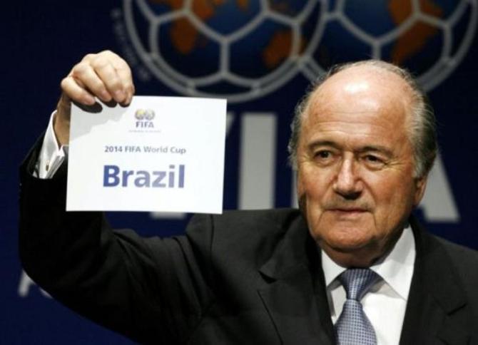 Ведомство Зеппа Блаттера вновь доверила проведение  чемпионата мира неподготовленной стране