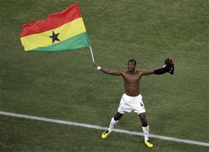Джон Пэнтсил радуется выходу Ганы в плей-офф.
