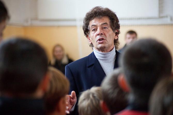 С 1999-го Виктор Дармин занимается футбольным воспитанием в Смолевичах