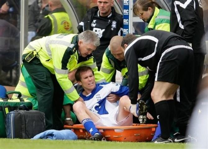 На этот раз пострадала левая нога Александра Глеба.