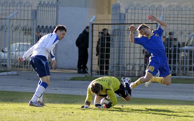 Хоть Дмитрий Хлебосолов и имеет склонность к симуляции, важные голы он все же забивает