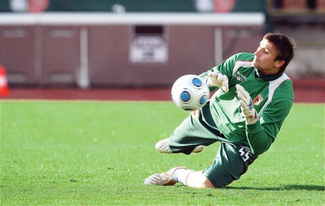 Василий Хомутовский не желает возвращаться в белорусский чемпионат.