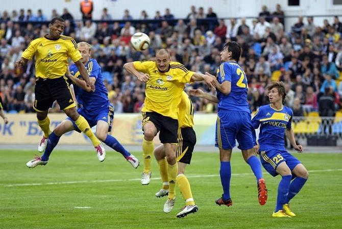 Роман Киренкин часто забивает в чужие ворота, но на этот раз он поразил свои.