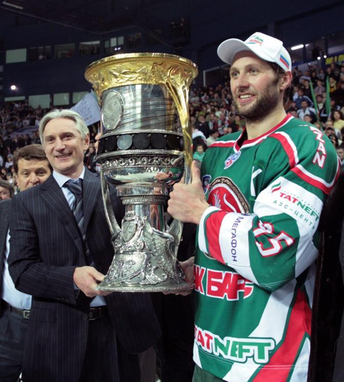 Алексей Морозов забрасывает и выигрывает.