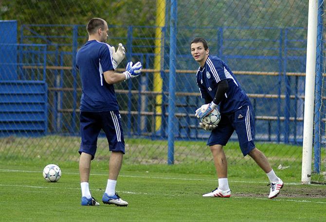 Сборной Александра Гутора побеждать удавалось чаще, чем команде, за которую выступает Андрей Щербаков
