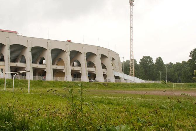 Месячная плата за аренду «песка» подле стадиона «Трактор» составляет 200 тысяч