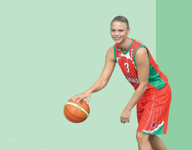 Татьяна Троина хороша и на баскетбольной площадке...