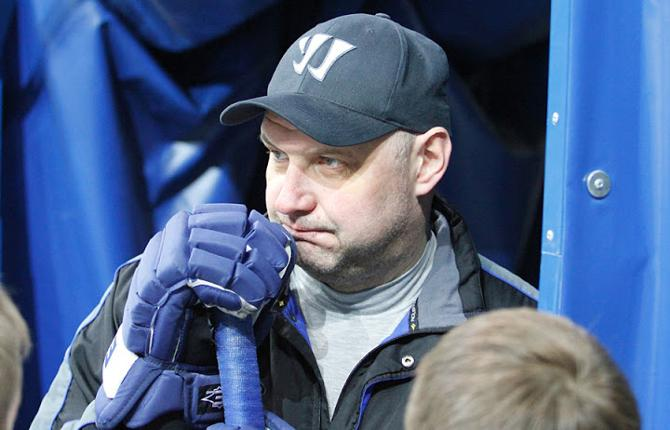 Александру Андриевскому предстоит поломать голову над тем, как справиться с отсутствием Джо Павелски