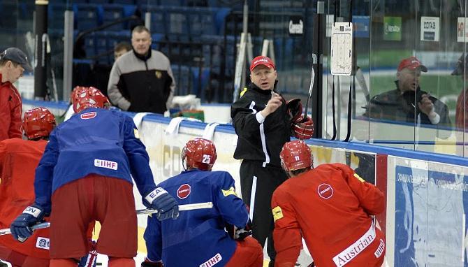 Эдуард Занковец остался доволен действиями игроков из ОЧБ.