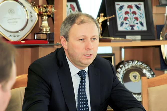 Сергей Румас уделяет футболу не столько внимания, сколько ему хотелось бы