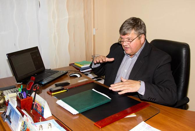Директор РЦОРа по гандболу Леонид Назарук рассказал, как в свое время за воспитанника удалось получить автобус