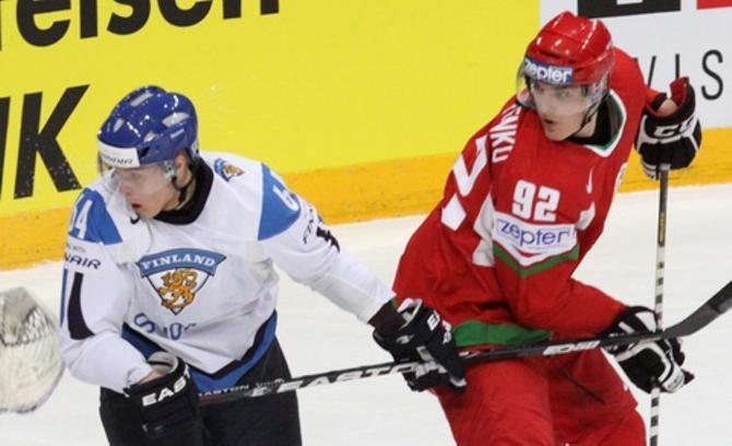 Роман Граборенко дебютировал на взрослых чемпионатах мира в матче против Финляндии.