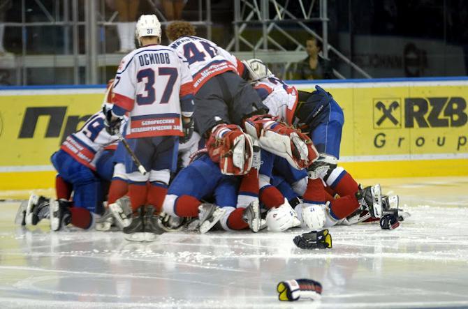 В десятке лучших хоккеистов ОЧБ сразу четыре представителя чемпиона.
