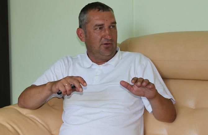 Вадим Бразовский считает, что вместо полуторачасового оскорбления футболистов лучше сколотить скворечник