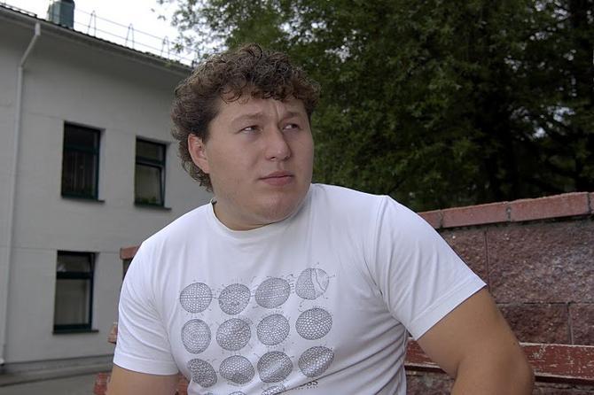 Андрей Арямнов задается вопрос: а лишат ли Захарова зарплаты, как лишили его самого?