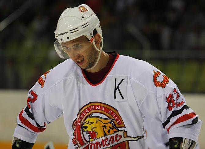 Капитан «Гомеля» Артем Сенькевич получил нашивку и в сборной Беларуси на матчи с украинцами.