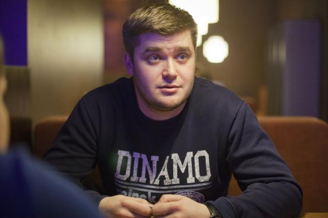 Денис Божаткин работает в госструктуре, но успевает посещать выездные матчи