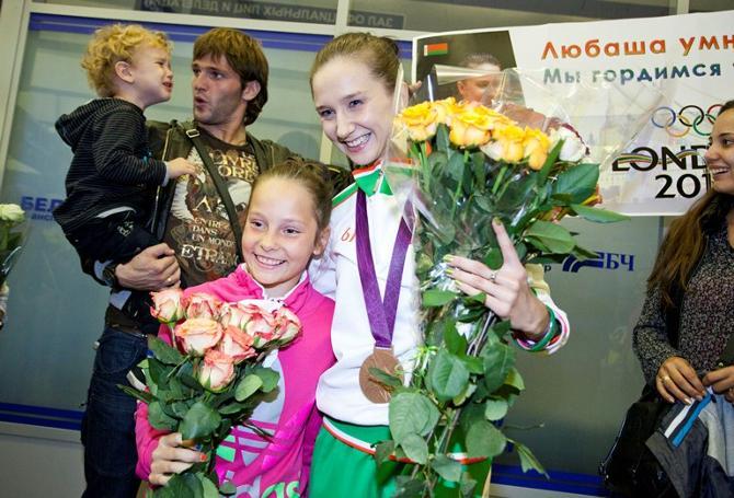 Так встречают олимпийцев: улыбки и слезы