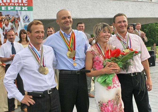 Вадима Сашурина легко узнать по прическе