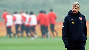 «Почему Венгер так цепляется за «Арсенал»?»