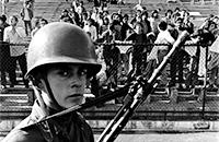 «Завязывали глаза, пропускали ток через тело, прижигали руки сигаретами». Как стадион в Чили стал тюрьмой