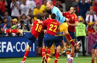 Назло рекордам. Лучшие кадры полуфинала Португалия – Испания