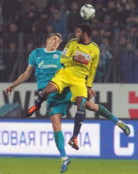 «Бухаров, как Торрес, – не играет, зато тренер за него горой»