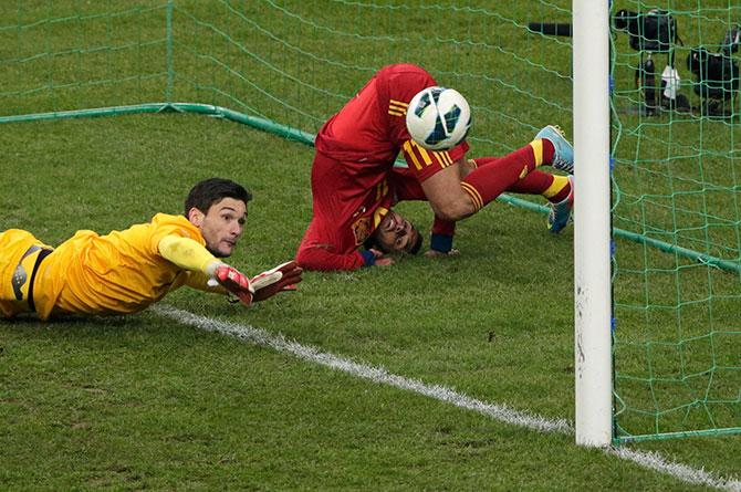 Красное – надевать! Обзор матчей квалификации ЧМ-2014