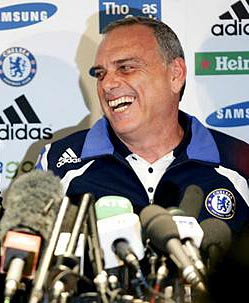 Тренер «Челси» Авраам Грант посмеялся над прессой