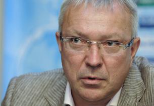 Юрий Белоус: «Есть задача создать сильный «Ростов»