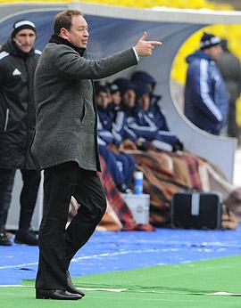 «Слуцкий напоминает Хиддинка: как тренер – не гигант, но на везении периодически выезжает»