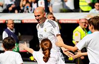 Фото. Матч легенд «Реала» и «Ливерпуля»