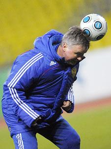 «Нашим игрокам нужен не только Хиддинк, но и тренер «Газмяса»
