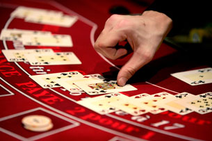 «Интересно, а в покере допинговые скандалы бывают?»