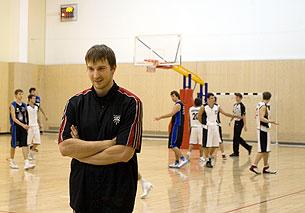 Роман Лебедев – тренер одной из самых успешных команд МБЛ. Фото из личного архива.