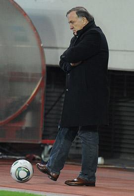 «Какой новый контракт? После Евро-2012 с Адвокатом надо расставаться. Как испанцы с Арагонесом»