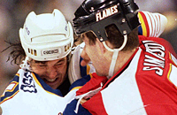 «После эпилептического припадка меня лечил командный ортопед». Почему хоккеисты подают иск против НХЛ